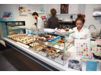(VICTORIA PLACE) LOLA'S CUPCAKES -FULL TIME/PART TIME - Join our team for a great career!