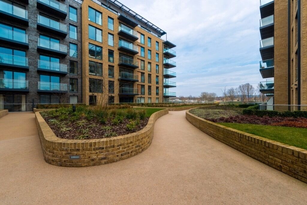 - Lovely 1 bedroom property is available immediately in Kidbrooke Village -