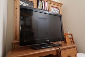 Samsung 32 inch Full HD 1080p LCD TV with Freeview