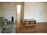 Lovely studio flat situated on Farnham Road ***Part DSS***