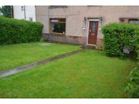 2 bedroom main door flat in Broomhouse Terrace with private garden