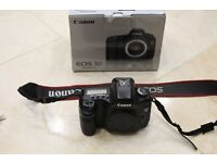 Canon 5D Mk1 Full Frame DSLR with 3 batteries, Canon carrying strap, manual & original box