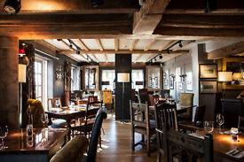 Talented Chef de Partie required for Award Winning Independant Country Pub!! Great Pay!! Live-In!!
