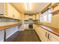 Large 2 bedroom flat in dulwich!
