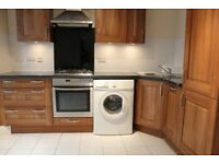 HUGE MODERN THREE BEDROOM AND THREE BATHROOM HOUSE WITH GARDEN & PARKING- HOUNSLOW WHITTON AREA
