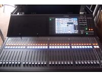 Yamaha QL5 Audio Mixing Desk, Mint with FREE Flight Case!