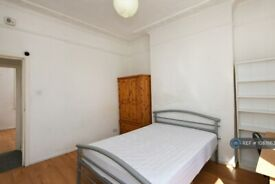 3 bedroom flat in Maissonette, London, N1 (3 bed) (#1087663)