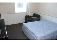 Studio Apartment Within Walking Distance Of City Centre & Schools
