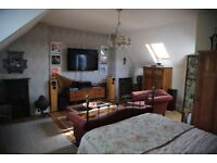 Outstanding Substantial double bedroom with en-suite available immediately. Central Earlsdon £500pm
