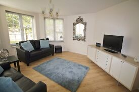 Large Luxury Apartment - Fully Furnished - Short Let Available - Wifi & Cleaner