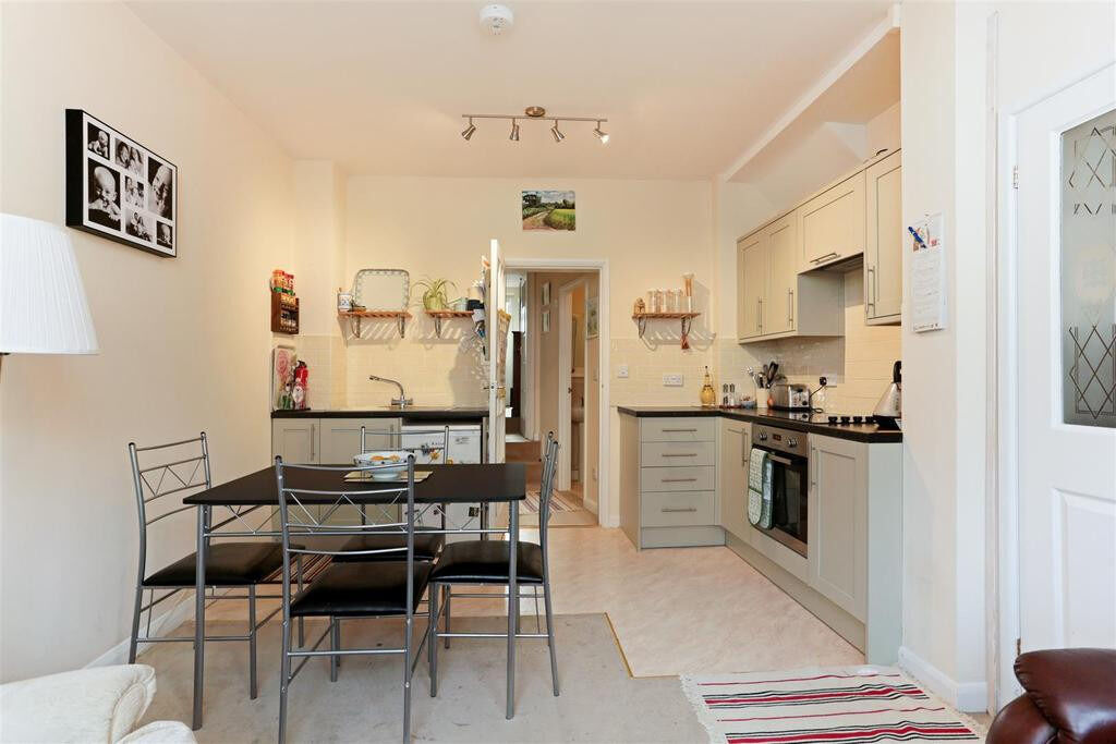 1 Bedroom flat in excellent location in Ilford