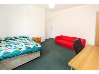 BILLS INCLUDED ROOM TO RENT - NEAR HEADINGLEY STATION - IDEAL POSTGRADUATES OR MATURE STUDENTS