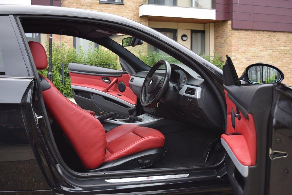 BLACK BMW   320D   M SPORT   M SPORT   DAKOTA RED INTERIOR