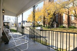 FABULOUS 3 BEDROOM HOME BLOCKS FROM WATERFRONT PARK AND JAMES ST