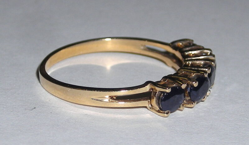 Wonderful Ladies Stackable 5 Stone Blue Sapphire Band Ring  14K YEllow Gold