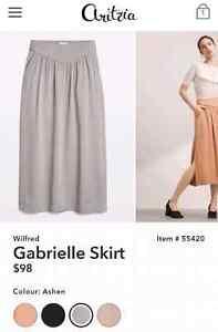 Aritzia Wilfred Gabrielle Skirt. Grey colour. Size XS.