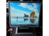 """17"""" LCD monitor with Speakers for PC / Laptop / CCTV SECURITY CAMERA - GREAT CONDITION"""