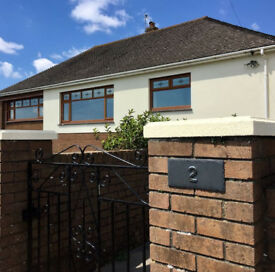LARGE BUNGALOW TO RENT- SLEEPS 6 - OGMORE BY SEA - SEA VIEWS