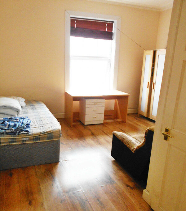 (Macklin Street) Fully Furnished En-suite Room with bills included, on street parking