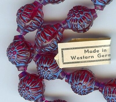 20 VINTAGE LUCITE Flower BEADS W GERMANY Raspberry BLUE PLASTIC moulded 16mm -