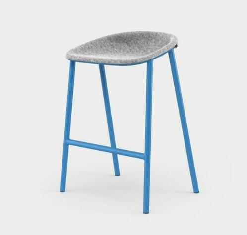 De Vorm LJ4 PET felt counter stool