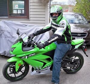 STOLEN 2010  KAWASAKI NINJA !!! PLEASE CONTACT IF SEEN!!!