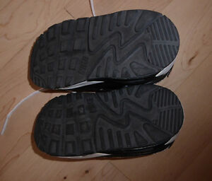 NEW GAP boots, Nike sneakers $ 5 per pair, toddler size 5 Kitchener / Waterloo Kitchener Area image 4