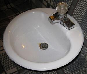 Crane Bathroom Sink Kingston Kingston Area image 2
