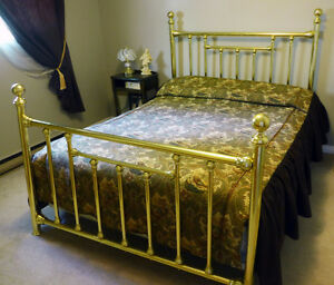 BEAUTIFUL QUEEN BRASS BED FRAME - moving, must sell