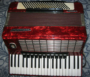 Weltmeister Stella 4-voice LMMH piano accordion