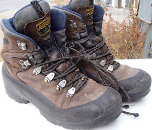 Men's Asolo mountaineering boots - size 11