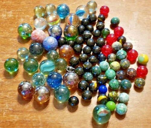 VINTAGE 87 ASSORTED GLASS MARBLES LARGE MEDIUM & SMALL