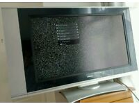 32 Inch Hitachi TV Television can deliver