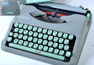 Machine a écrire Hermes baby
