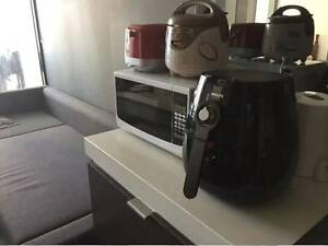 Furnished apartment 1 room available for 4months in Mel CBD Docklands Melbourne City Preview