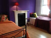 "Roomshare per week £80 """""""""""""" zone 1-2 """""""" short term stay"