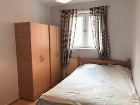 DOUBLE BEDROOM FOR ONLY 140£pw IN ILFORD (10min walk to Gants Hill Tube)