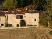 Extremely spacious village house with rural views in Provence: 2/3 bedrooms, excellent condition