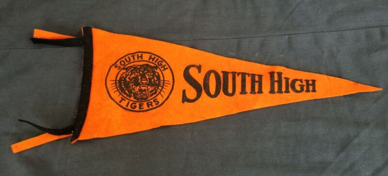 Vintage 1930S MINNEAPOLIS SOUTH HIGH TIGERS HIGH SCHOOL Felt Banner Pennant Flag