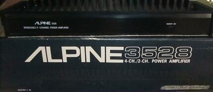 ALPINE 3528 4 CHANNEL/ 2 CHANNEL POWER AMPLIFIER