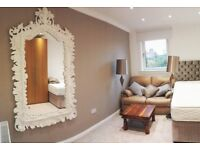 RM1: Luxury semi-ensuite (sharing bathroom with 1 person) - walk Napier; direct bus HWU, city centre
