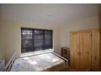 Large 4 double bedroom ground floor flat 7 minutes walk from Dagenham Station! Part Dss Considered!