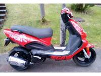 2012 Scooter 125cc Moped Twist & Go 4 Stroke Electric Start Long Mot Starts & Rides Perfect!