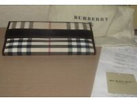 GENUINE AUTHENTIC NEW LADIES BURBERRY WALLET & RECEIPT COST + EXTRA THROWN IN