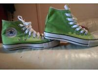 Ladies converse hightops size 3.5