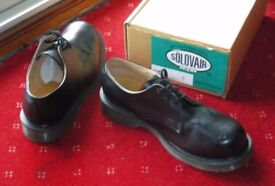 Safety shoes, steel toecap, size 9