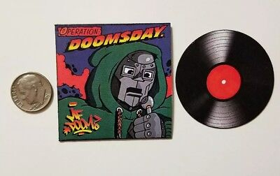 Miniature record  1/6 Rapper Hip Hop action figure Mf Doom Doomsday