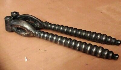 Quality Antique Cast Iron Reversible HInge Nutcracker