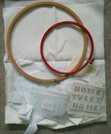 Cross Stitch aida + 2 hoops