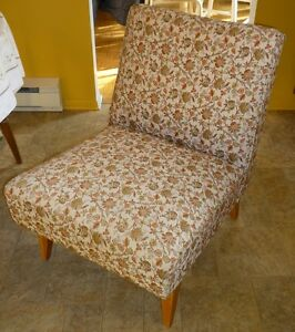 REDUCED Vintage 1950s upholstered slipper chair/vanity chair